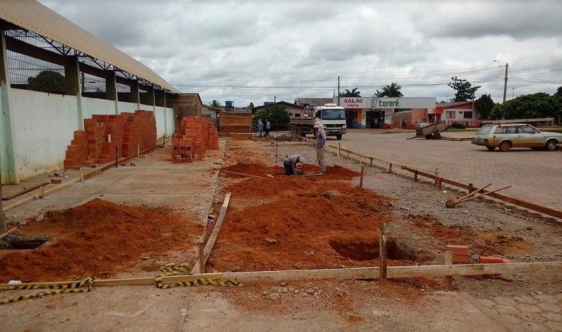 Luizinho Goebel envia recursos para construção moderno ponto de táxi e mototáxi