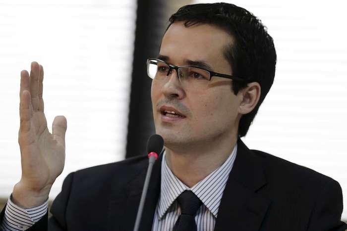 'Um ser possuído', diz Renan sobre Dallagnol da Lava Jato