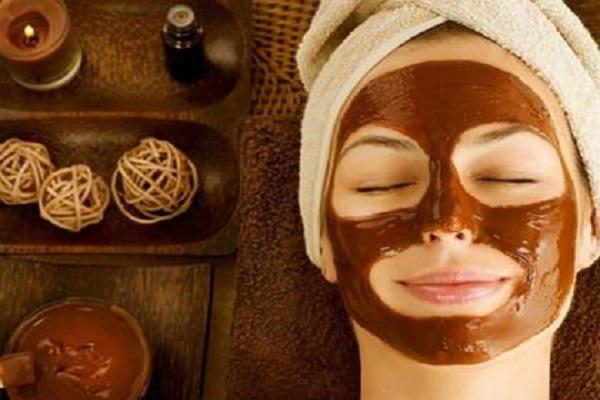 Três benefícios do chocolate para a pele