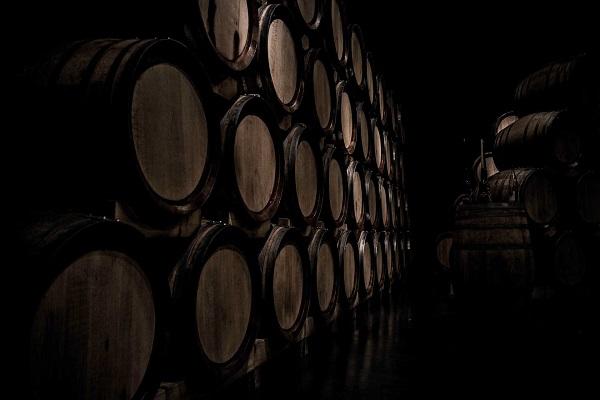 Vinho em barril: confira as vantagens da tendência