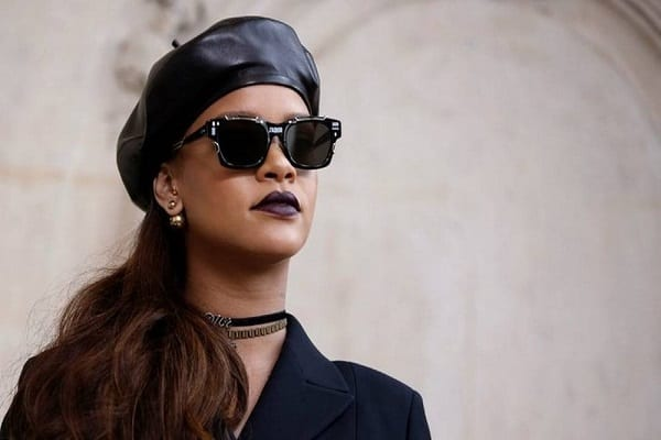 Rihanna processa seu próprio pai por usar nome Fenty em empresa, diz site