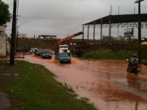 Bairro Lagoa está intransitável após a chuva