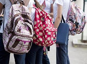 Mochila escolar poderá pesar no máximo 15% do peso do aluno
