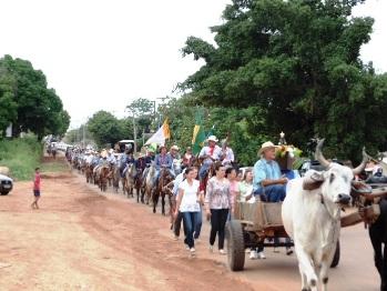 Cavalgada reúne mais de 4 mil fiéis em Colorado