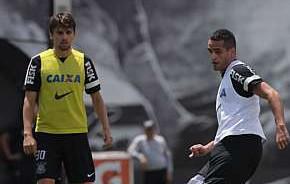 Tite pede urgência na volta de Renato Augusto no Corinthians