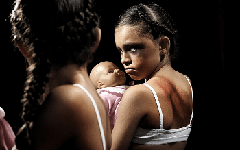 Em Cerejeiras, pai é preso por abusar da filha de 14 anos