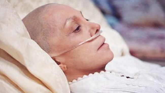 Mulheres com câncer poderão ter direito a reconstrução de duas mamas