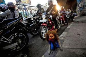 Creepy-Indonesian-street-monkeys-6