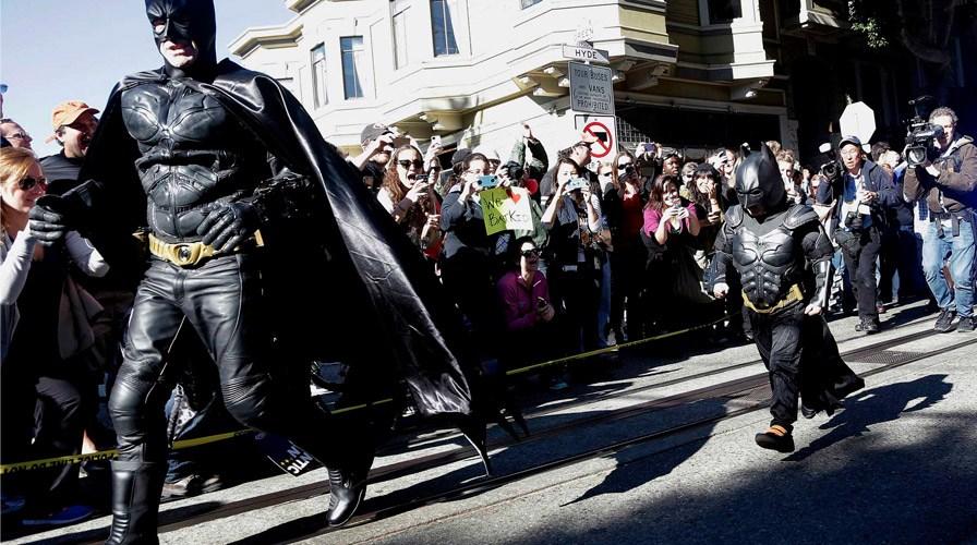 Menino de 5 anos com leucemia realiza o sonho de ser o Batman por um dia