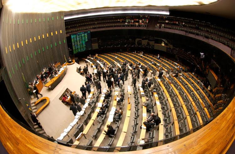 Câmara aprova em primeiro turno PEC dos Soldados da Borracha