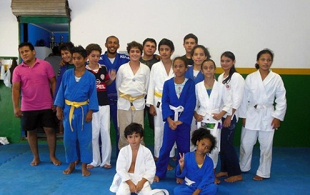 Projeto Curumim Guarani modifica a realidade de jovens no barro Nacional