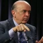 José Serra reassume mandato de senador