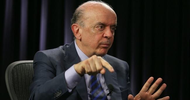 Chefe de gabinete de Serra é promovido pelo Itamaraty