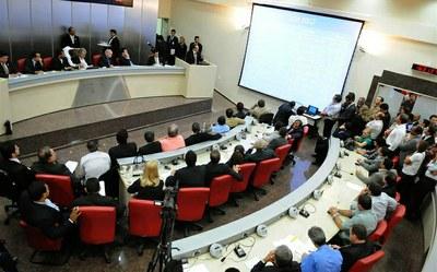Assembleia aprova orçamento 2014; veja como ficou a divisão