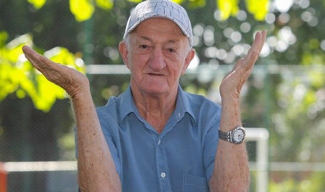 """Aos 82 anos, Russo dispara: """"Se a Globo me mandar embora, eu morro lá dentro"""""""