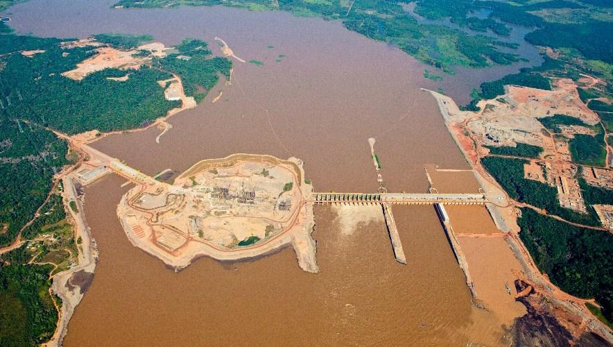 Cheia faz ONS desligar usina do Rio Madeira