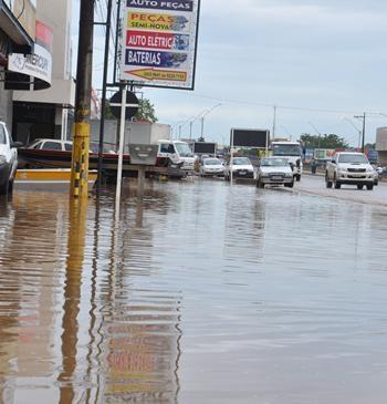 Nível do Rio Machado em Ji-Paraná vai subindo e causando prejuízos