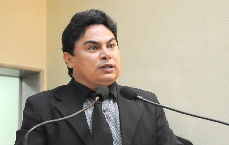 Cláudio Carvalho divulga carta aberta e diz não ter se quer sido processado pelo Poder Público