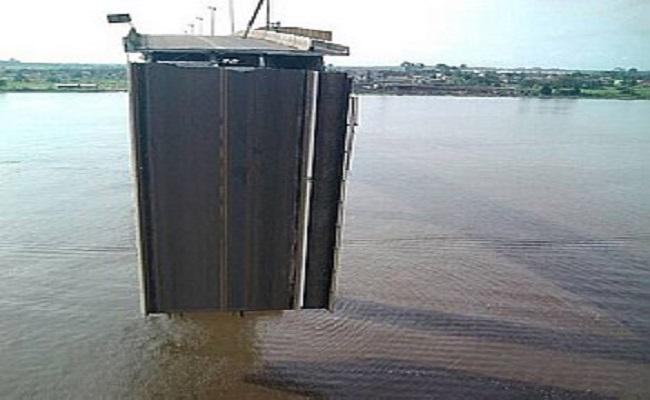 Balsa se choca e derruba ponte no Pará