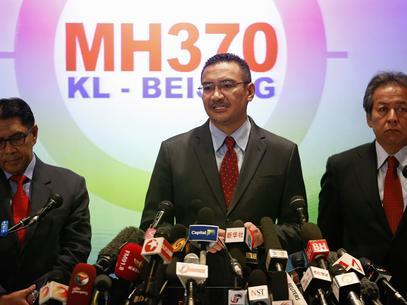 Malásia pede cautela com descoberta de possíveis destroços