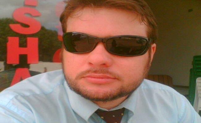 Advogado é detido depois de efetuar manobra perigosa na frente da Delegacia