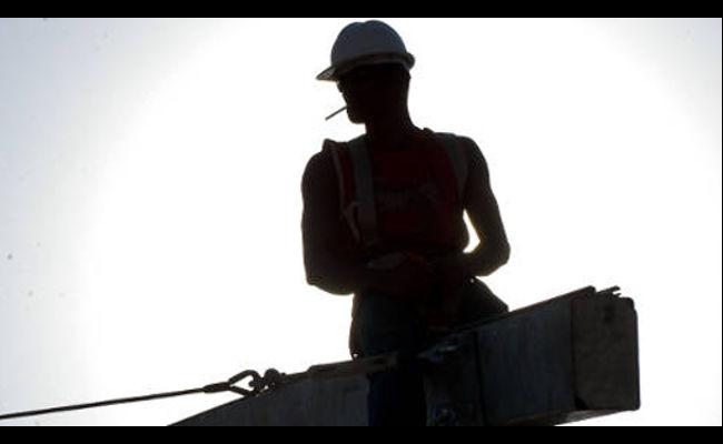 """Economist: trabalhador brasileiro está """"dormindo"""" há 50 anos"""