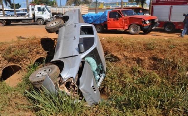 Prefeito de Alta Floresta do Oeste se envolve em acidente na BR 364