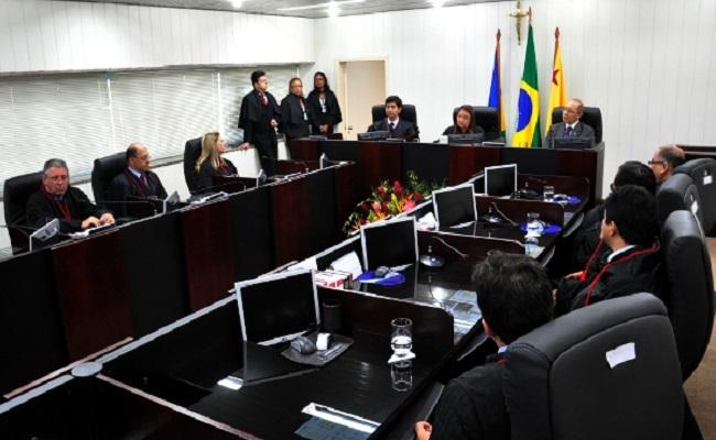 Consórcio Santo Antônio Civil e Camargo Correa S/A são condenadas a pagar indenização por danos morais à ex funcionários