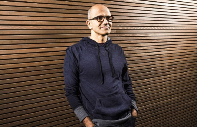'Vamos reinventar a produtividade', diz CEO da Microsoft