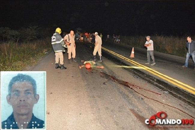 Motociclista morre ao bater de frente com caminhonete Hilux na BR 364, próximo a Presidente Médici; Veículos pegaram fogo