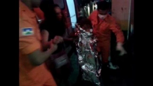 Explosão de produto deixa duas crianças feridas