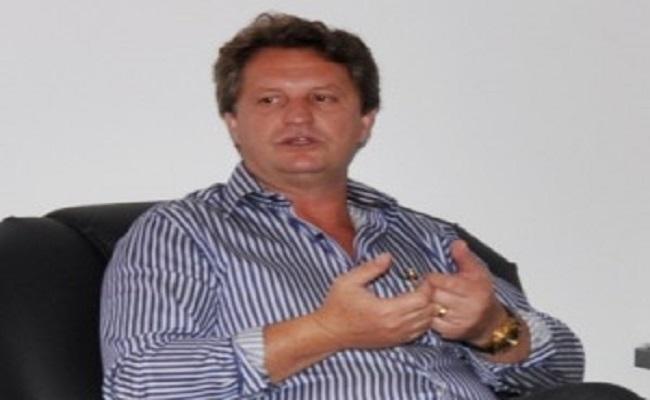 Prefeito é condenado a pagar R$ 22 mil por gastos acima de lei