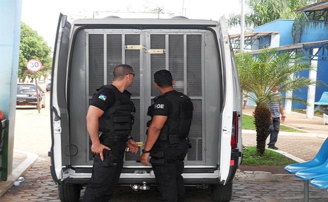 Presos serram grades e entram em confronto com agentes no 'Urso Panda'