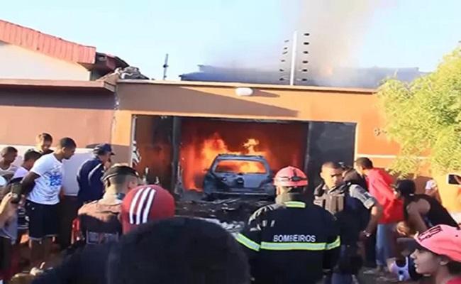 Avião cai em cima de residência e deixa cinco mortos em Balsas, MA