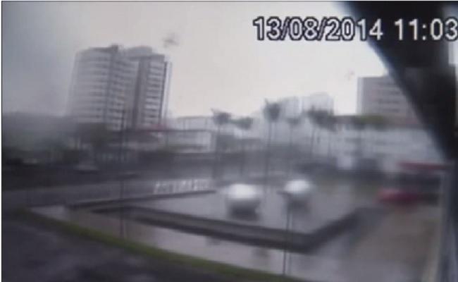 Vídeo mostra avião de Eduardo Campos caindo