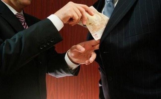 Entenda os conceitos de improbidade administrativa, crimes contra a administração pública e corrupção