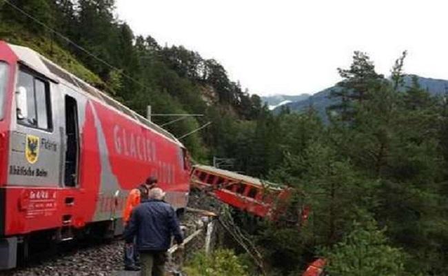 Trem descarrila na Suíça por deslizamento de terra