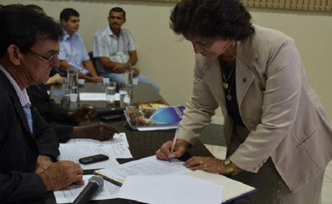Vice de Ouro Preto do Oeste assume a prefeitura