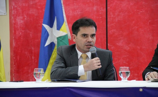 O Brasil tem cura – III por Andrey Cavalcante