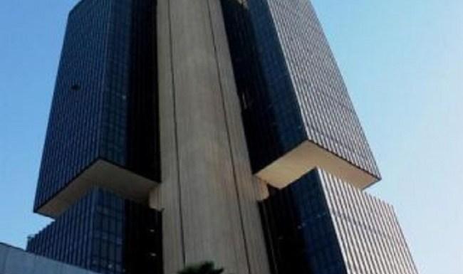 Banco Central reduz projeção de crescimento da economia em 2014