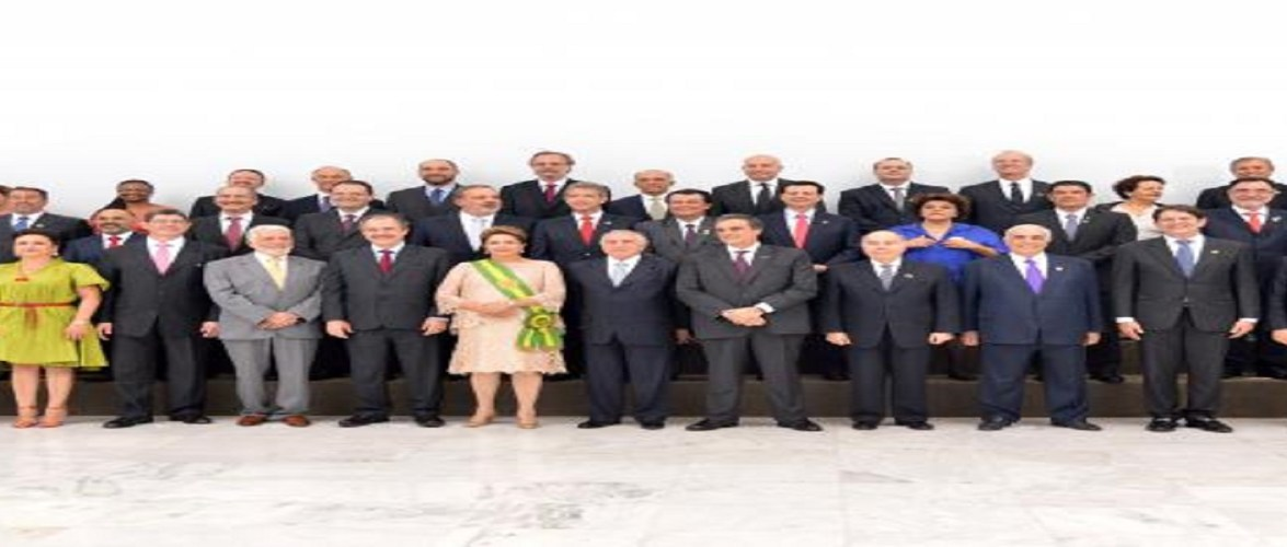 Dilma dá posse aos ministros para o segundo mandato