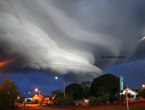 Ambientalista registra nuvem em forma de tornado em Cabixi