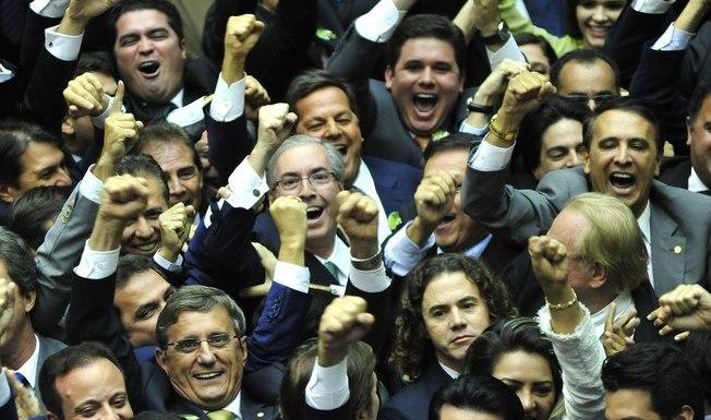 Dilma enfrentará novo Congresso mais conservador, base dispersa e ressentimentos na Câmara