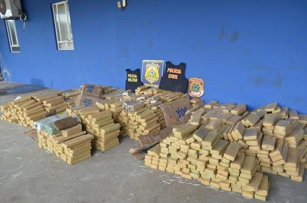 Em Vilhena, PF prende 5 com mais de 1 ton de maconha escondida em cimento
