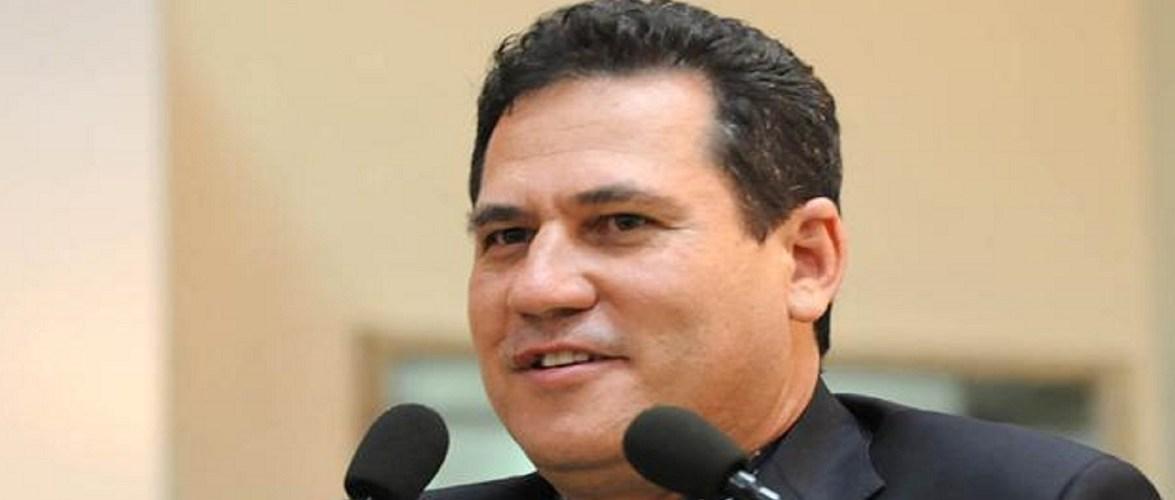 Mesmo na presidência da ALE, Maurão mantém mágoa de Cassol