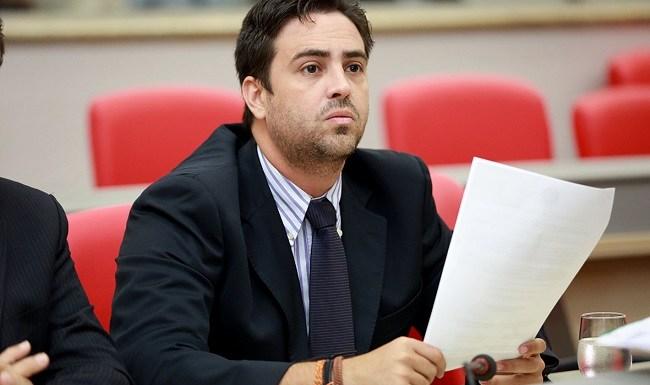 Léo Moraes presta solidariedade à classe de agentes penitenciários e socioeducadores
