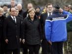 O presidente da França, François Hollande, a chanceler da Alemanha, Angela Markel, e o chefe de governo da Espanha, Mariano Rajoy, se reuniram no local da tragédia, com o Airbus A320