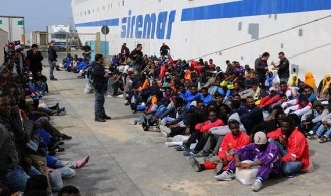 Presidente do Conselho Europeu pede para que imigrantes desistam de ir à Europa
