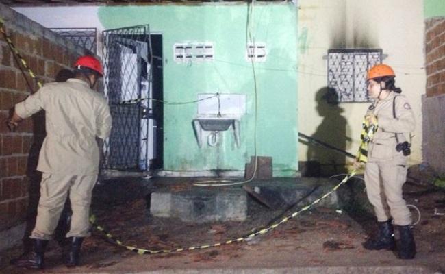 Corte de energia causa tragédia e duas crianças morrem em incêndio causado por vela