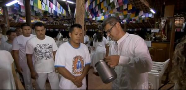 Presos tomam chá alicinógeno em projeto social polêmico em Rondônia